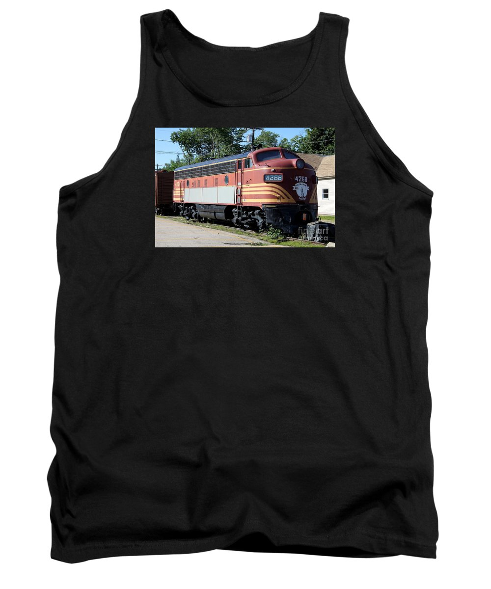Engine Tank Top featuring the photograph Boston - Maine No 4268 by Christiane Schulze Art And Photography