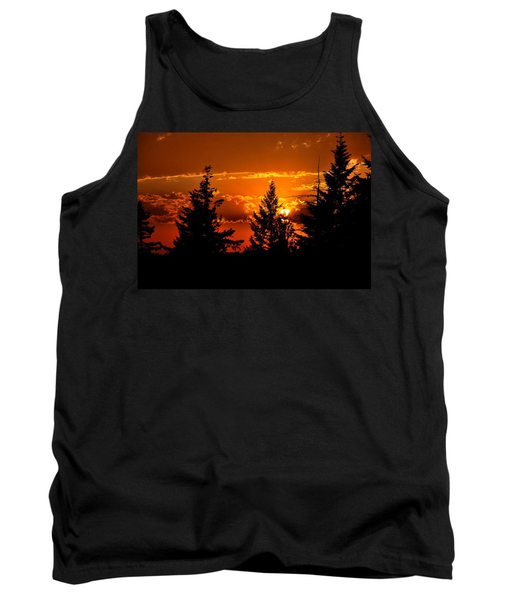 Sunset Tank Top featuring the photograph Colorful Sunset by Kathy Sampson