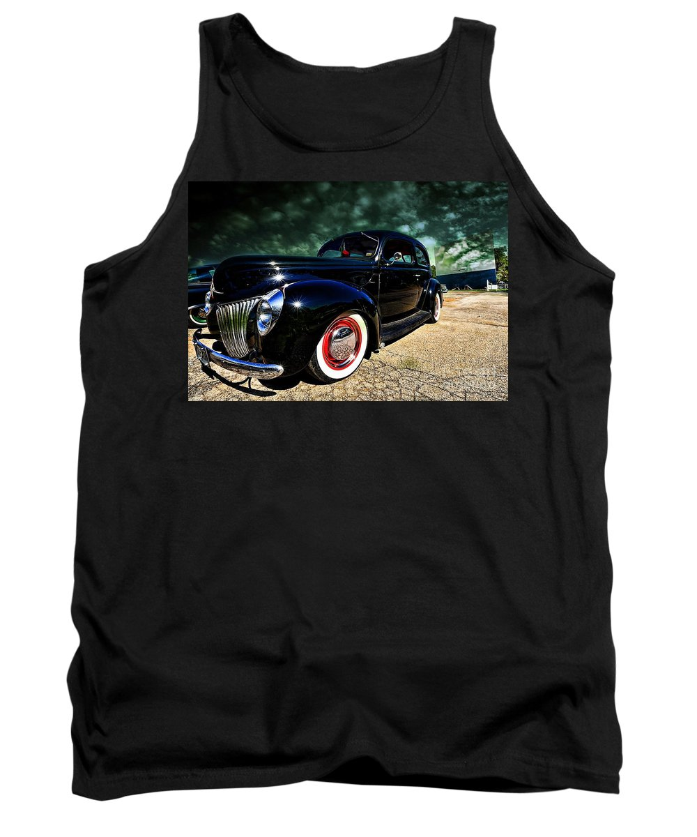 Cruising The Theater Tank Top featuring the photograph Cruising The Theater by Liane Wright