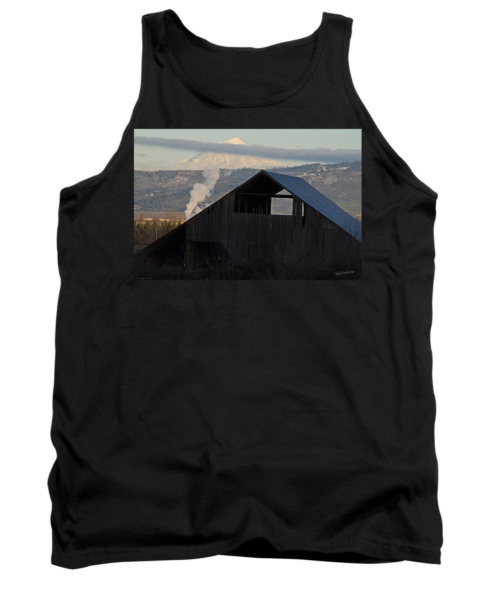 Barn Tank Top featuring the photograph Dark Barn And Mt Mclaughlin by Mick Anderson