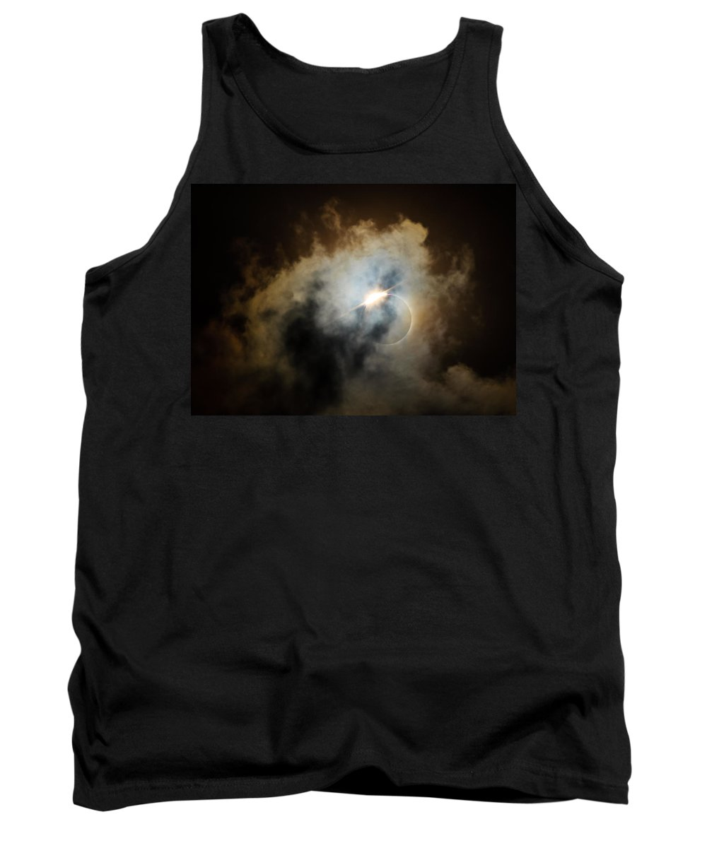 Solar Eclipse Tank Top featuring the photograph Eclipse Diamond Ring by Silken Photography