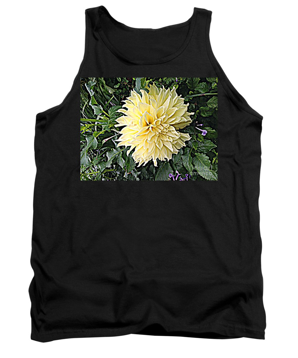 Quincy Illinois Tank Top featuring the photograph Gentleness In The Garden by Luther Fine Art