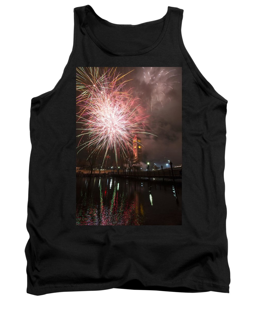 Fireworks Tank Top featuring the photograph Happy New Year 2014 B by Paul DeRocker