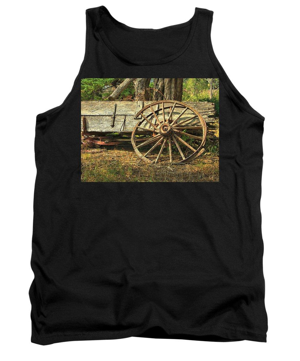 Dan Sabin Tank Top featuring the photograph Junk Wagon by Dan Sabin