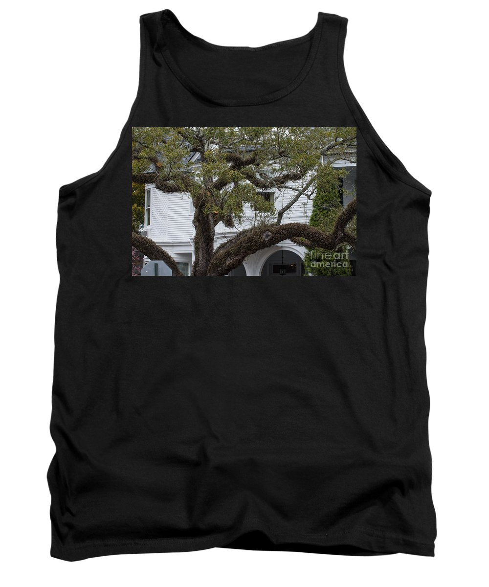 Two Meeting Street Inn Tank Top featuring the photograph Meeting Street Inn by Dale Powell