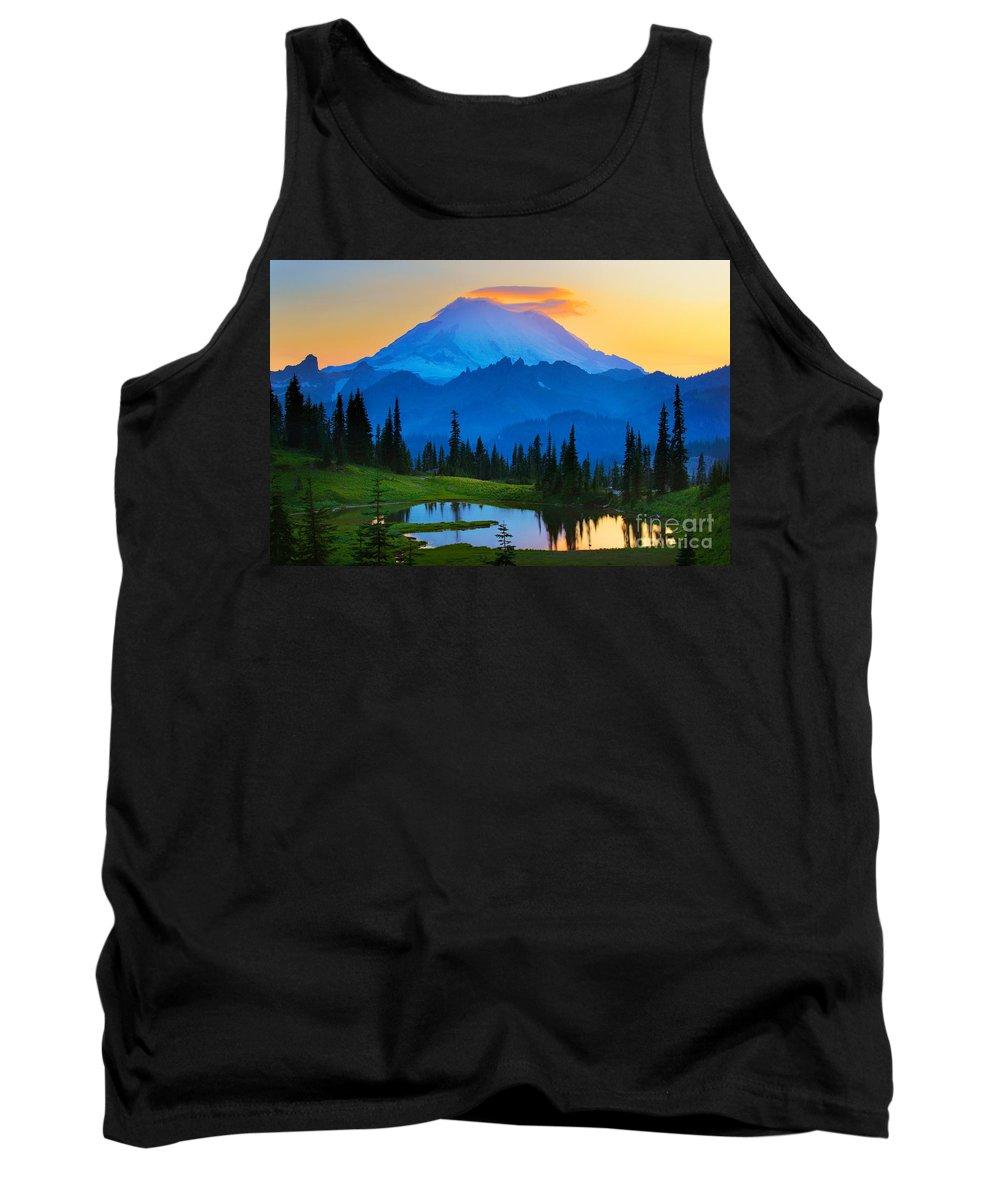 Mount Rainier Tank Top featuring the photograph Mount Rainier Goodnight by Inge Johnsson