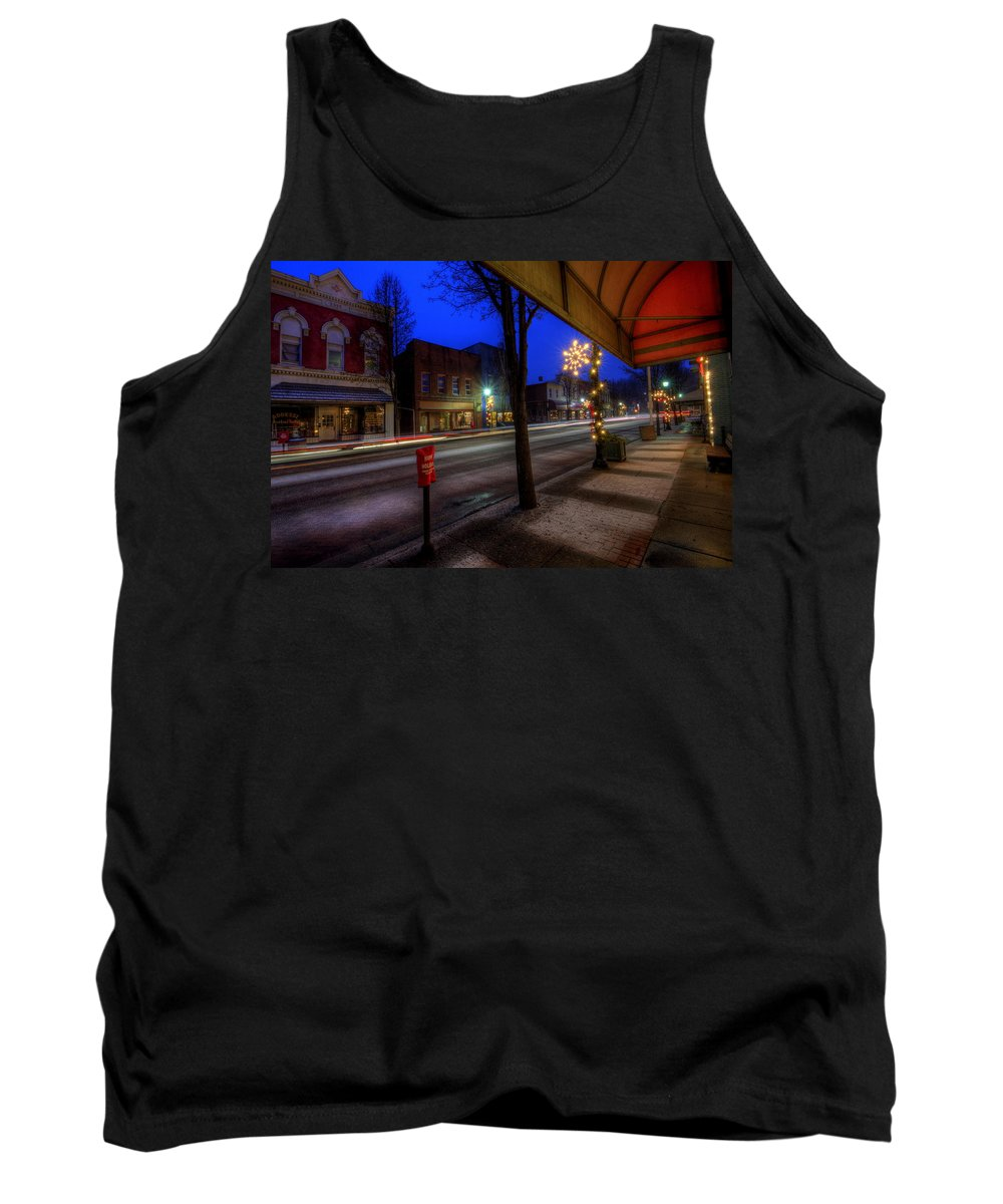 Christmas Lights Tank Top featuring the photograph Ohio Christmas Eve by David Dufresne