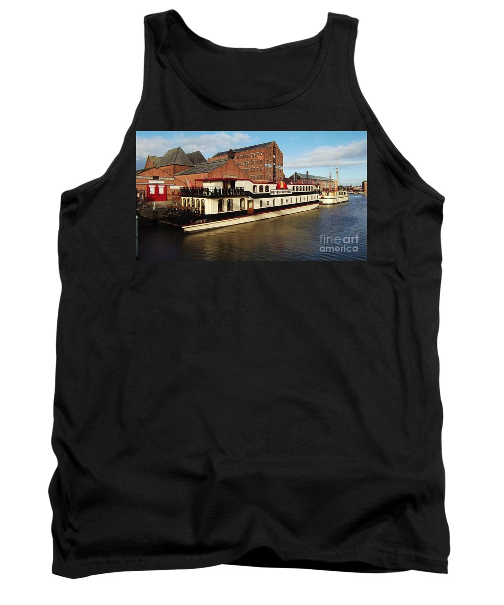 Oliver Cromwell Tank Top featuring the photograph Oliver Cromwell by John Williams