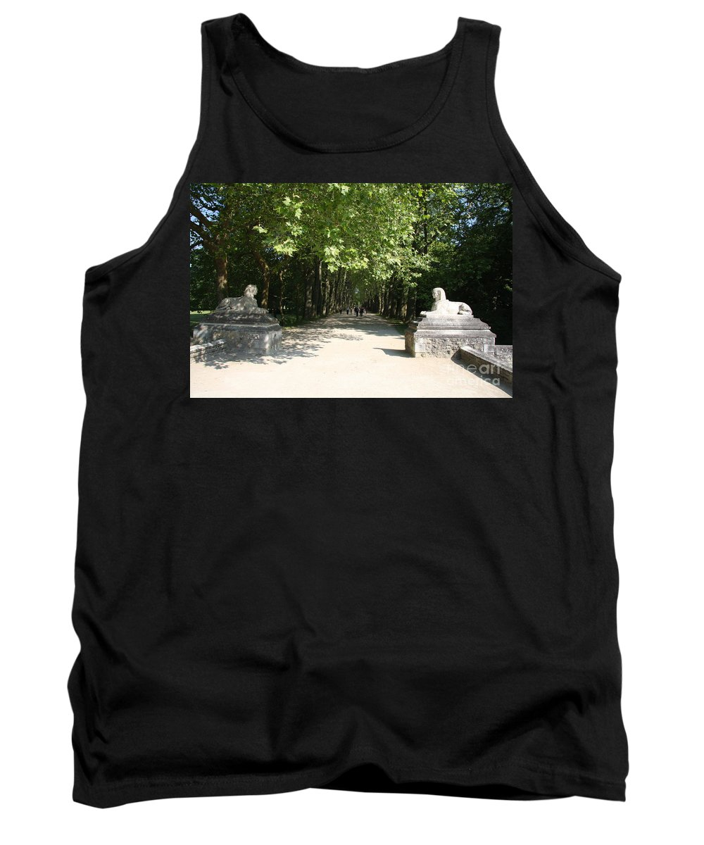 Egyptian Statue Tank Top featuring the photograph Parkway Chateau Chenonceaux France by Christiane Schulze Art And Photography