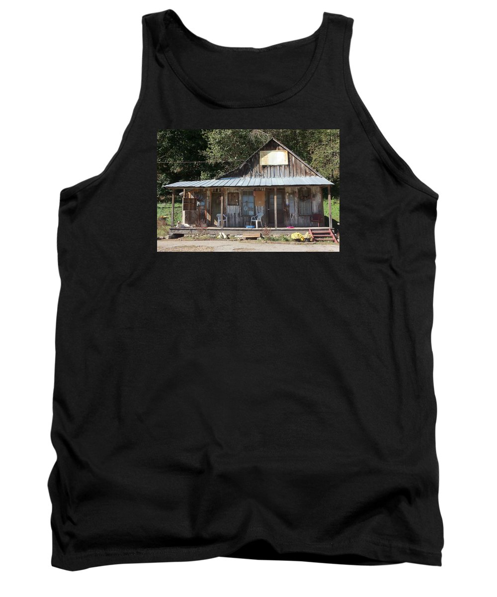 Landmarks Tank Top featuring the photograph Penn's Store by Amelia Jean Miller