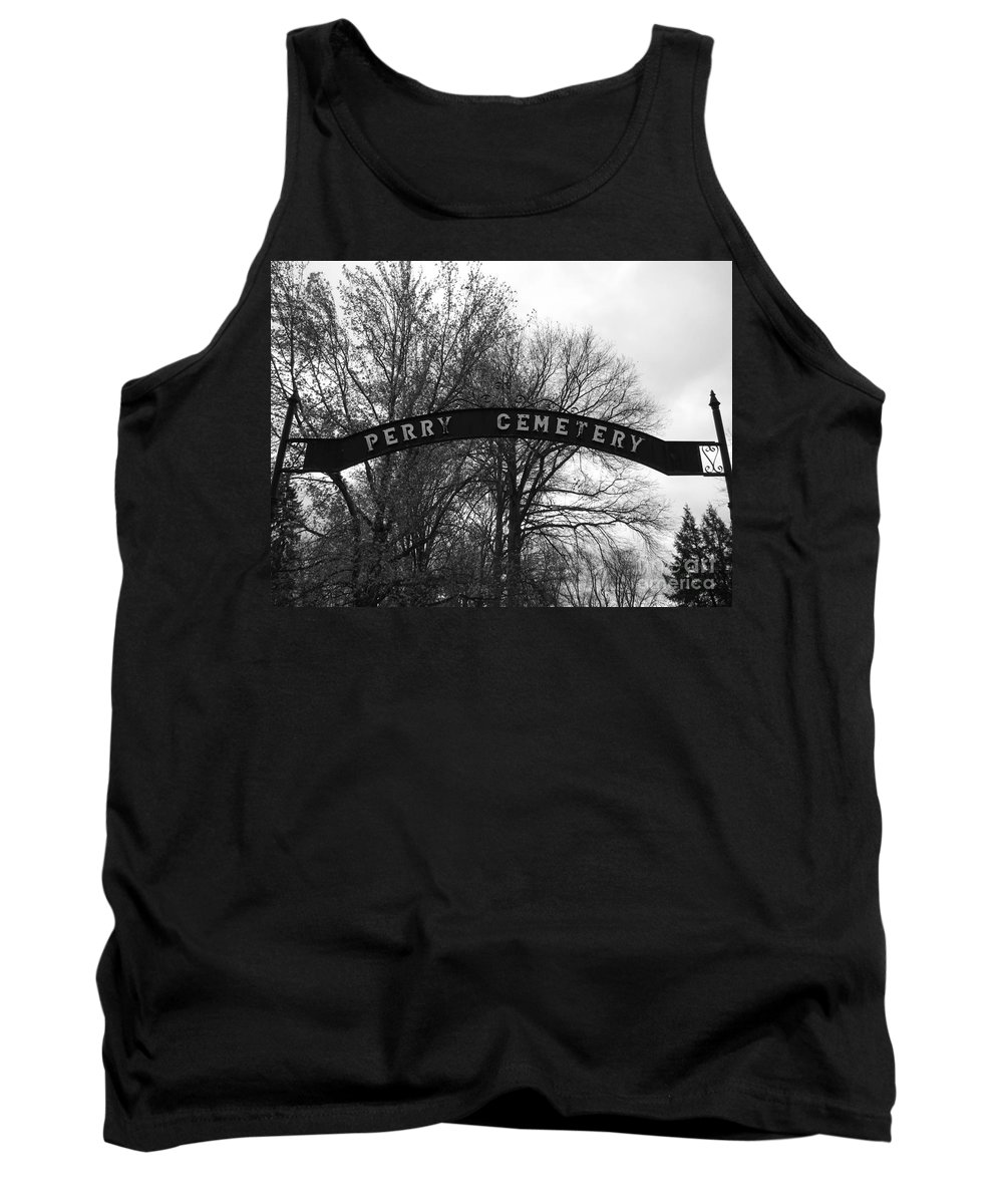 Perry Cemetery Tank Top featuring the photograph Perry Cemetery by Michael Krek