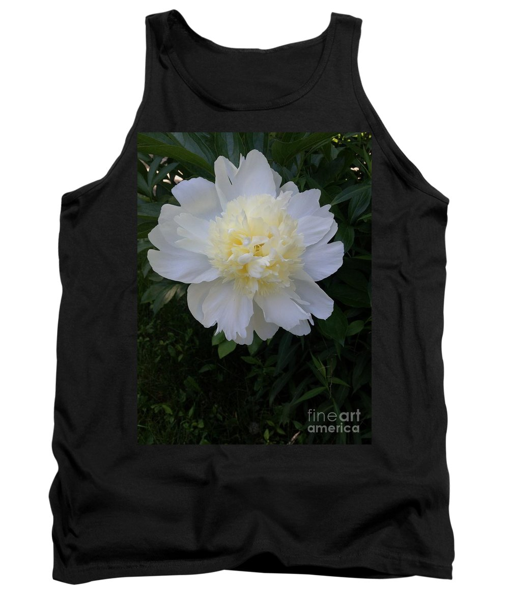 Flower Tank Top featuring the photograph Pom Pom by Joseph Yarbrough