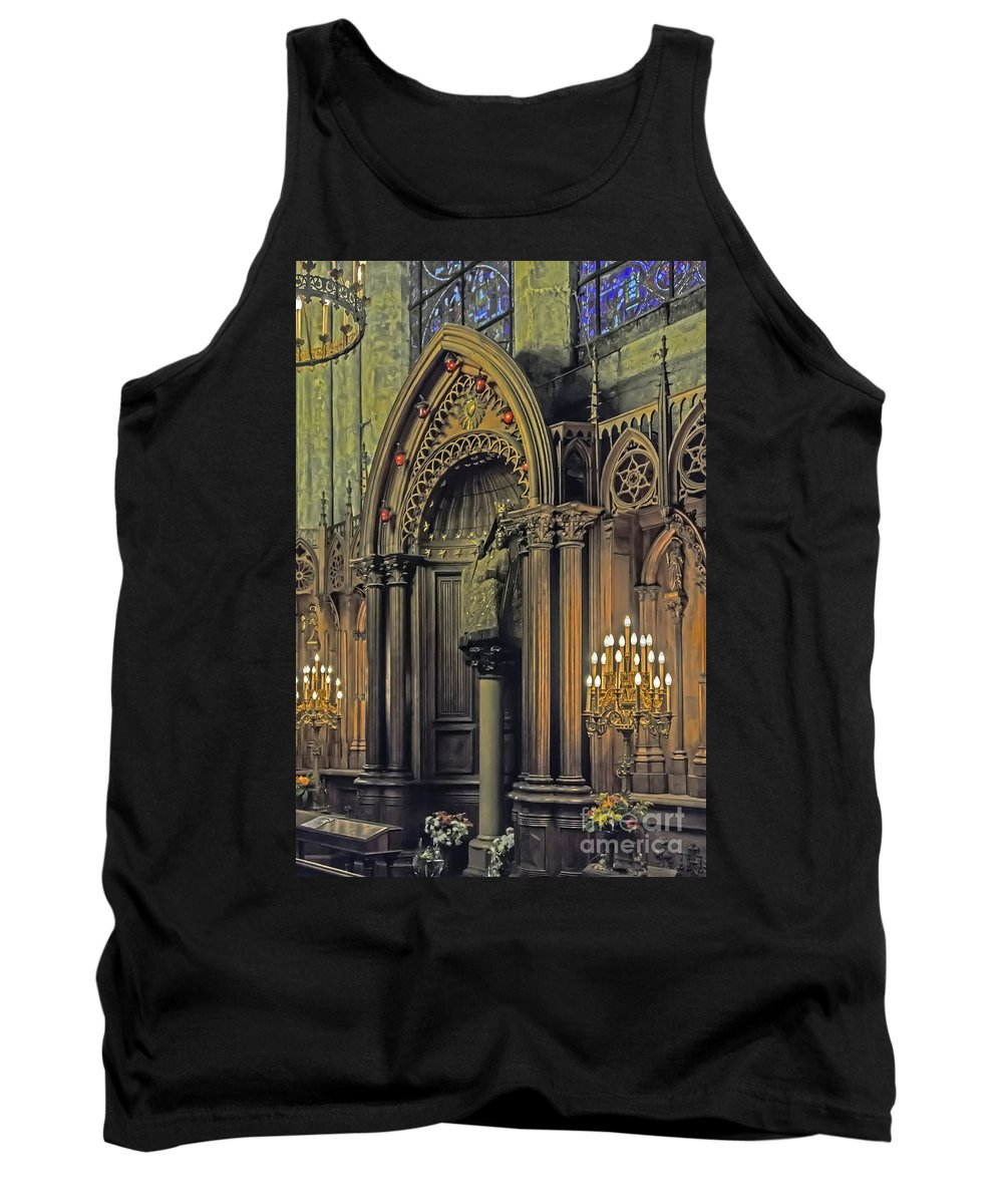 Travel Tank Top featuring the photograph Prayer And Contlemplation by Elvis Vaughn