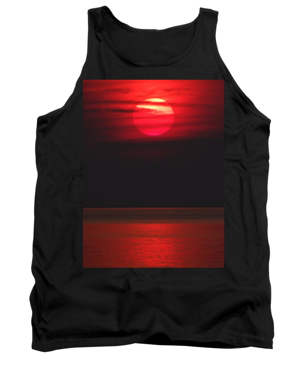 Red Sky Tank Top featuring the photograph Red Sunset by David T Wilkinson