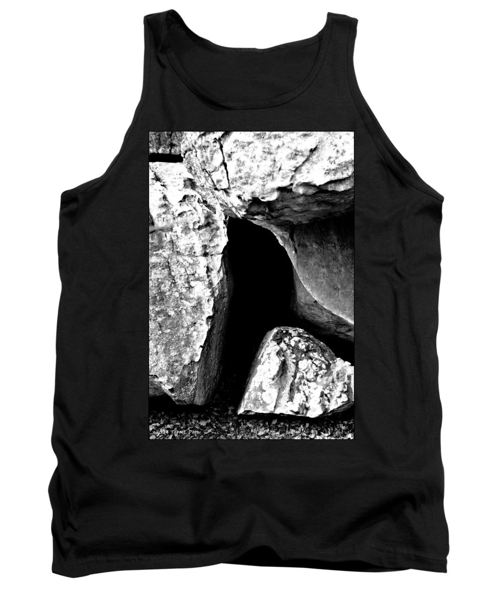 Rocktown Trail Tank Top featuring the photograph Rocktown Cave by Tara Potts