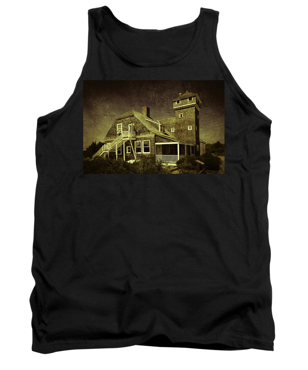 House Tank Top featuring the photograph Sandy Hook Beach Home by Eleanor Bortnick