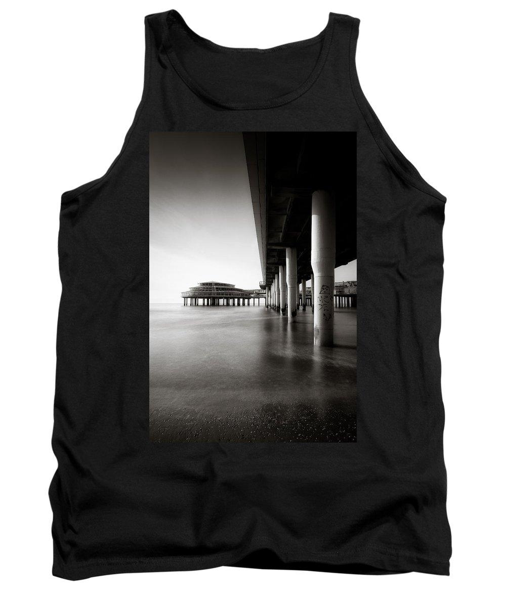 Pier Tank Top featuring the photograph Scheveningen Pier 2 by Dave Bowman