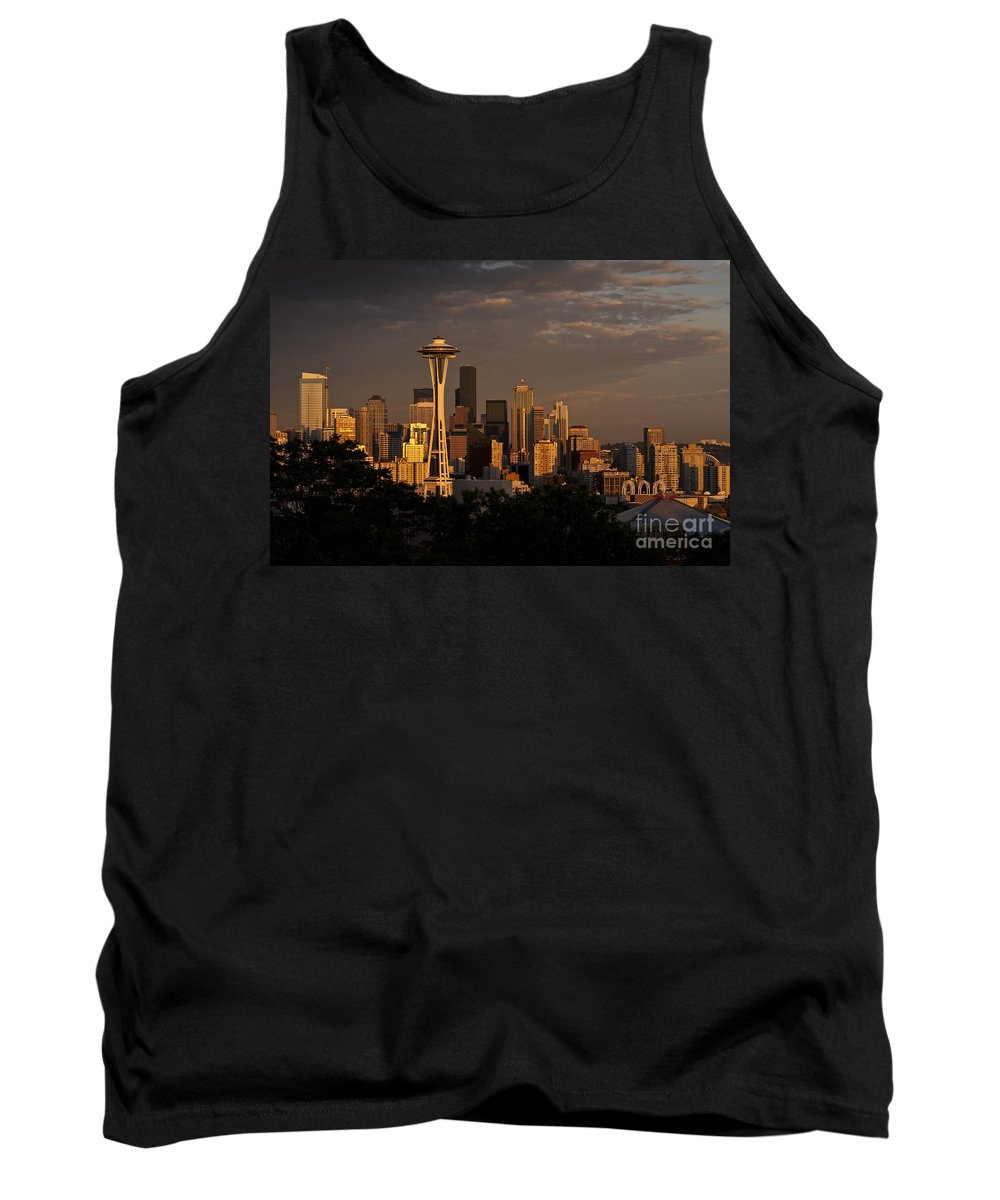Kerry Park Tank Top featuring the photograph Seattle Skyline With Space Needle And Stormy Weather by Jim Corwin