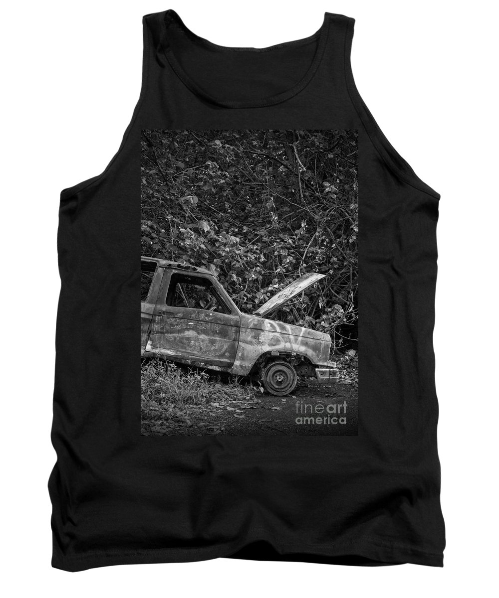 Rain Tank Top featuring the photograph Serious Car Trouble In The Tropics by Edward Fielding