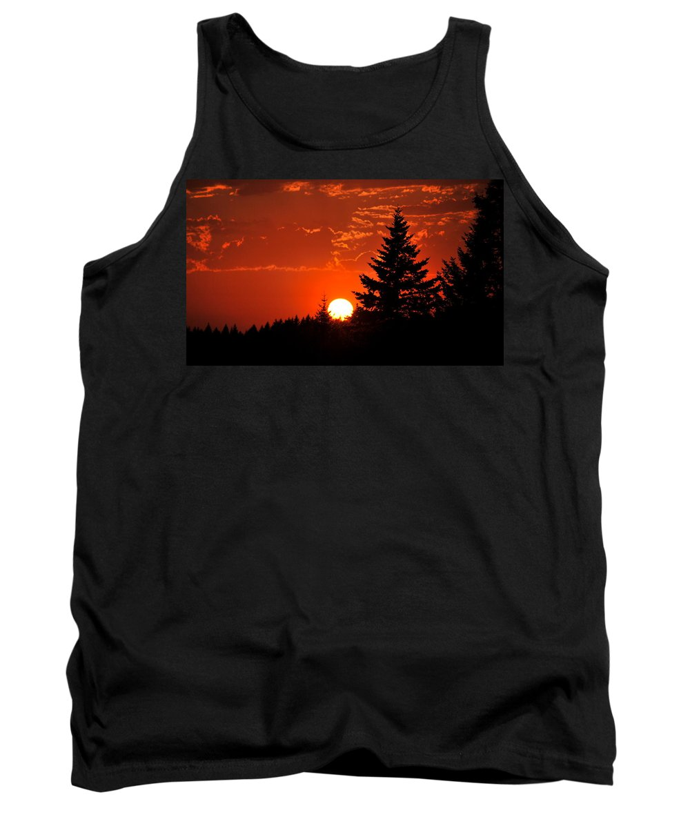 Sun Tank Top featuring the photograph Spectacular Sunset IIII by Kathy Sampson