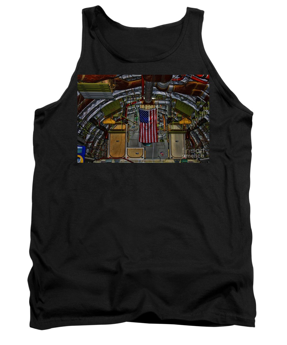 Boeing B-17 Globemaster Iii Tank Top featuring the photograph Spirit Of Los Angeles by Tommy Anderson