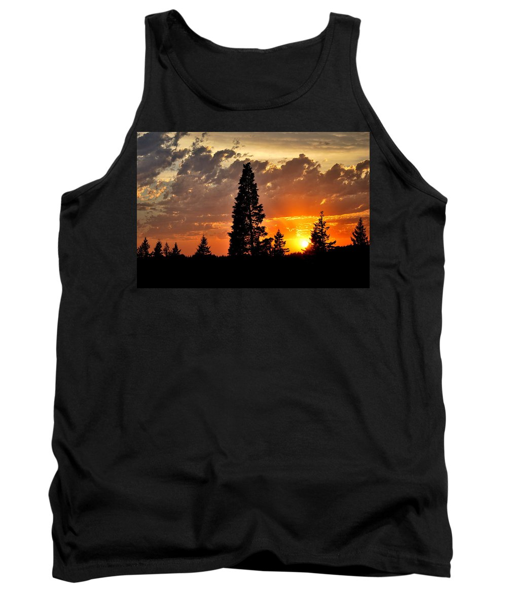 Sun Tank Top featuring the photograph Stormy Sunset by Kathy Sampson