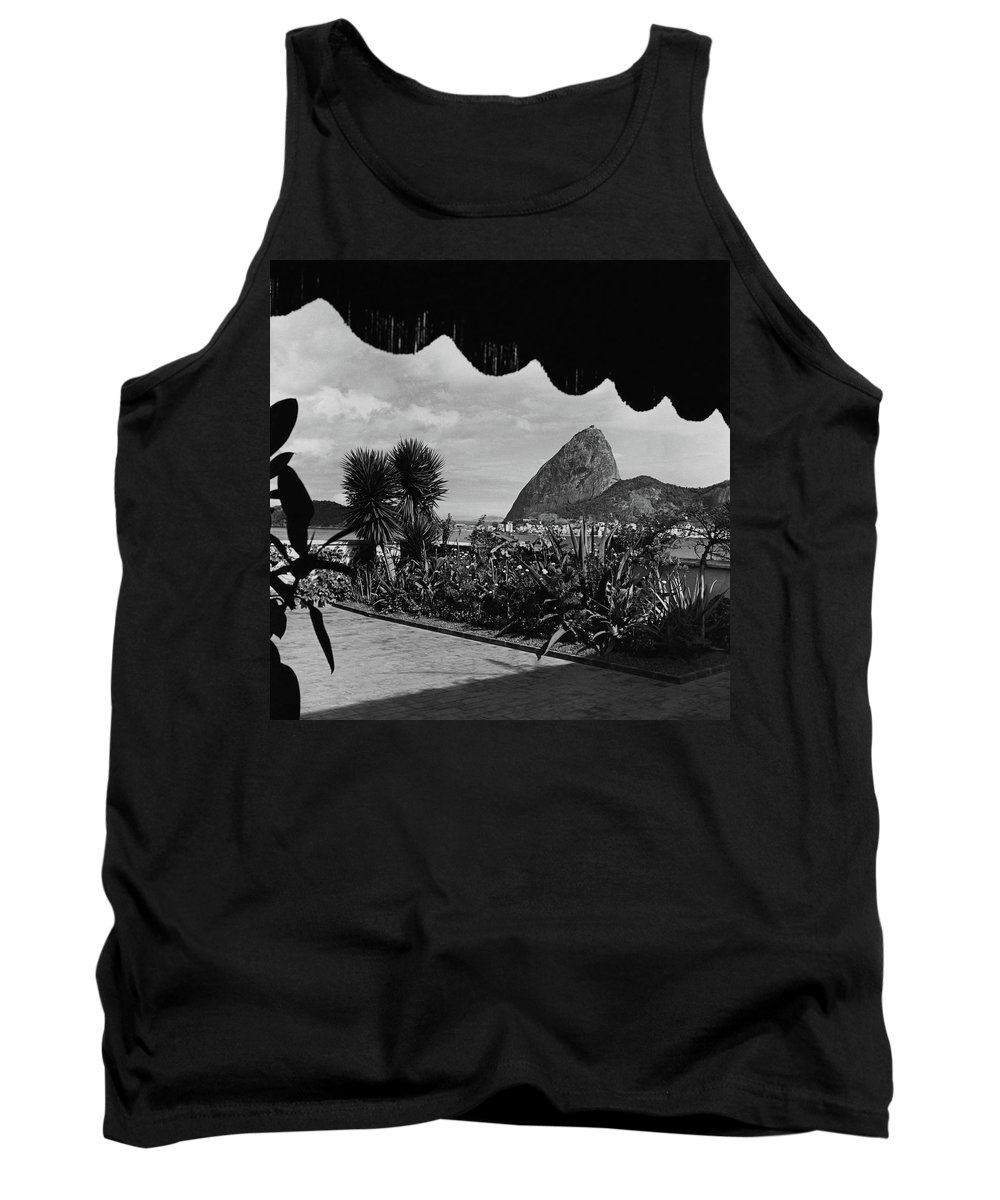 Exterior Tank Top featuring the photograph Sugarloaf Mountain Seen From The Patio At Carlos by Luis Lemus
