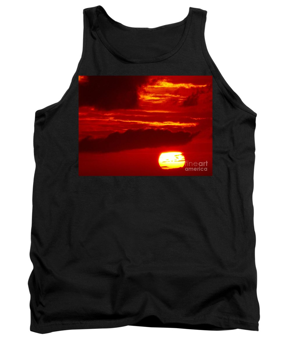 Color Tank Top featuring the photograph Sun In Descent by Amar Sheow