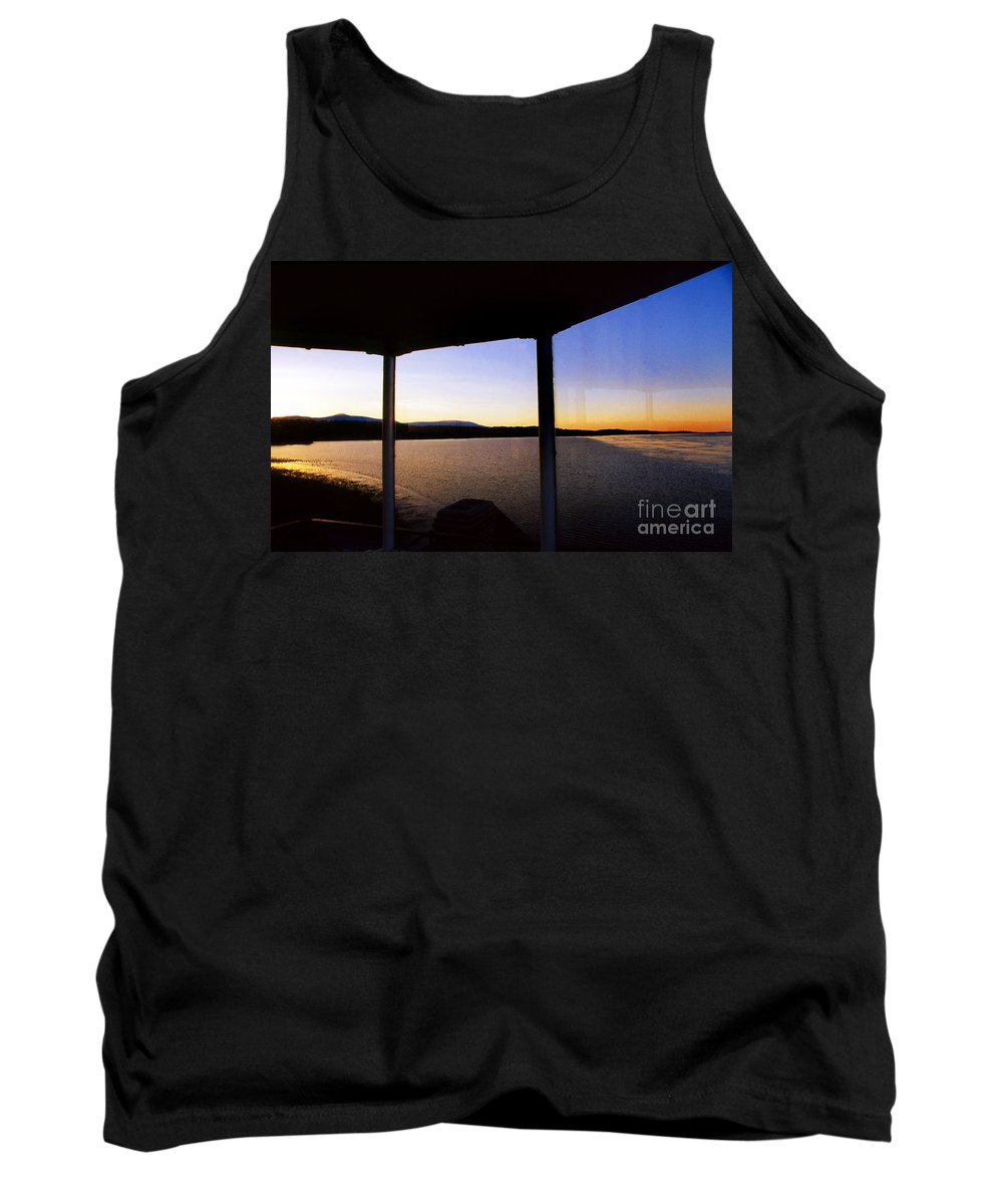 Lighthouses Tank Top featuring the photograph Sunrise On The Hudson by Skip Willits