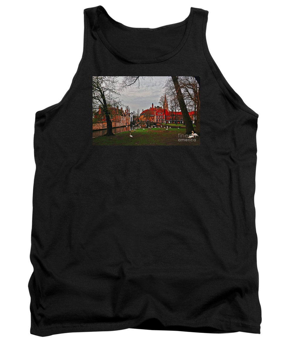 Travel Tank Top featuring the photograph Swan Song by Elvis Vaughn