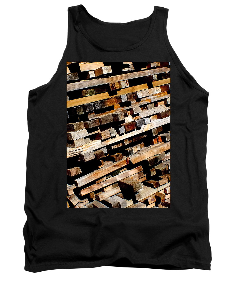 Hopper Tank Top featuring the photograph Tilted by Guy Pettingell