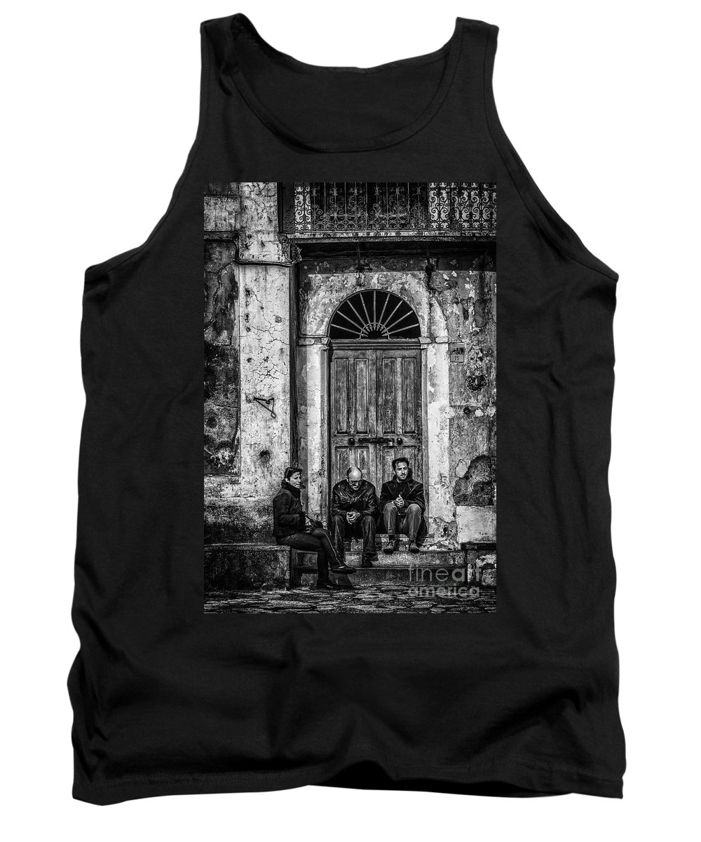 Waiting Tank Top featuring the photograph Waiting In Ravello by Paul Woodford