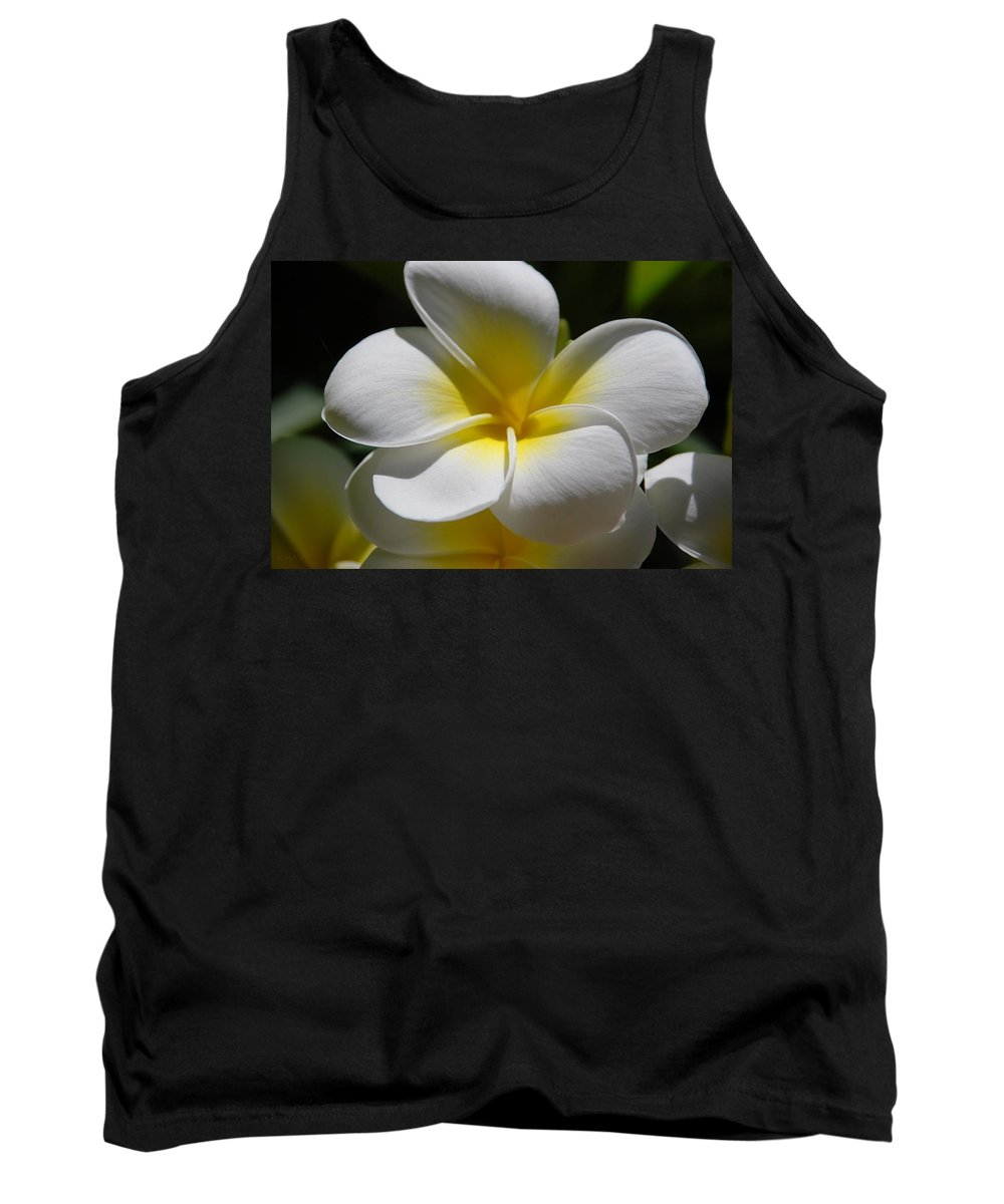 Nature Tank Top featuring the photograph White Bloom by Rob Hans