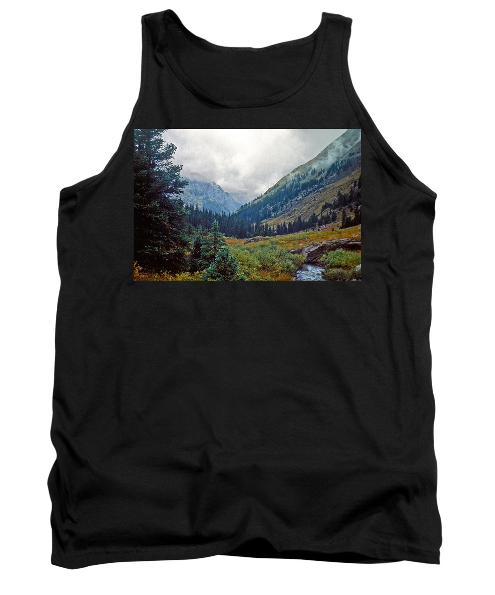 Wind River Range Tank Top featuring the photograph Windrivers 1 by Gary Benson
