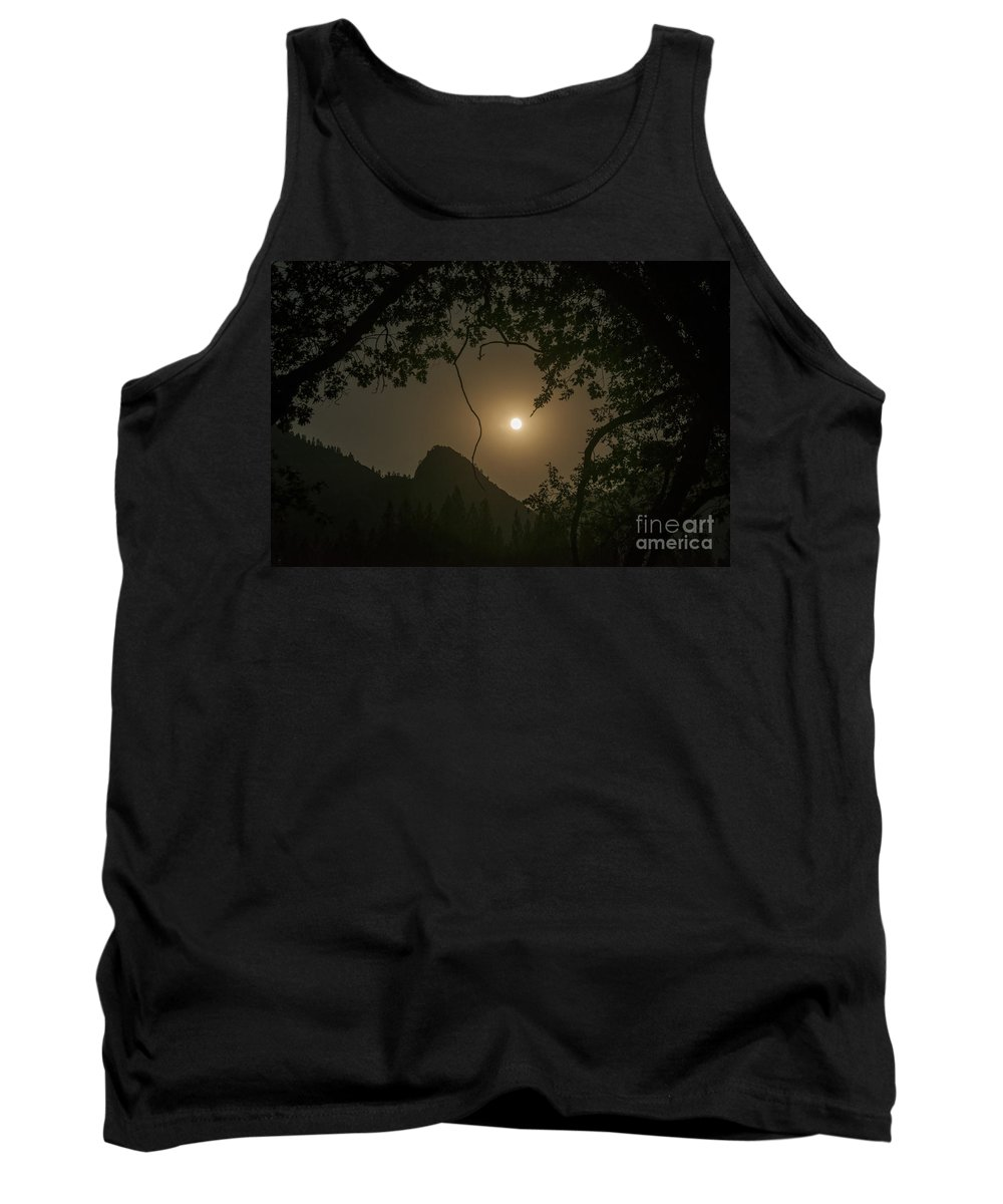 Yosemite National Park California Landscape Landscapes Tree Trees Mountain Mountains Parks Moon After Dark Moonrise Moonrises Peak Peaks Silhouette Silhouettes Tank Top featuring the photograph Yosemite Moonrise by Bob Phillips