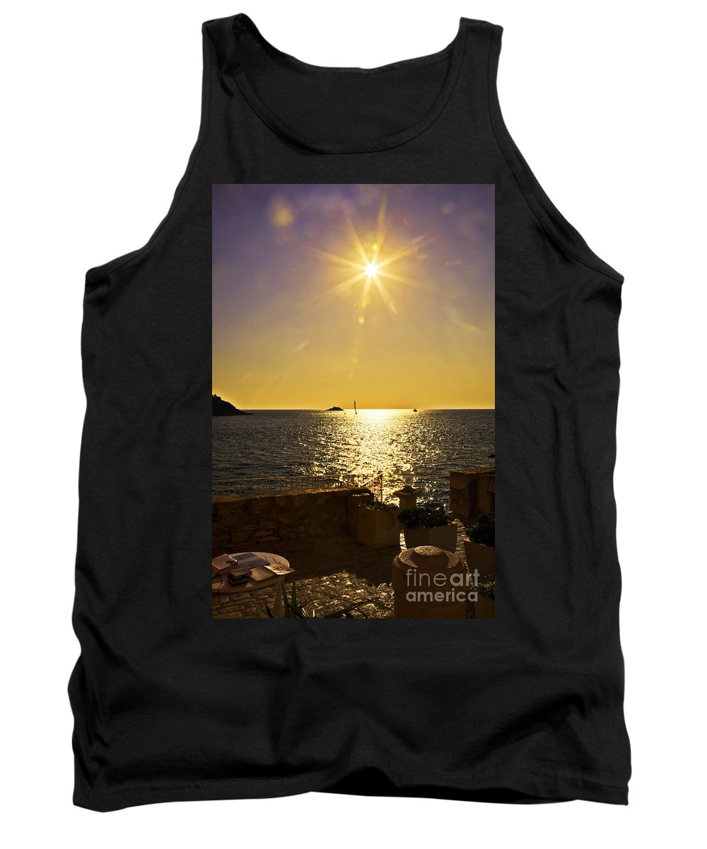 Terrace View Tank Top featuring the photograph Starburst Memories by Madeline Ellis