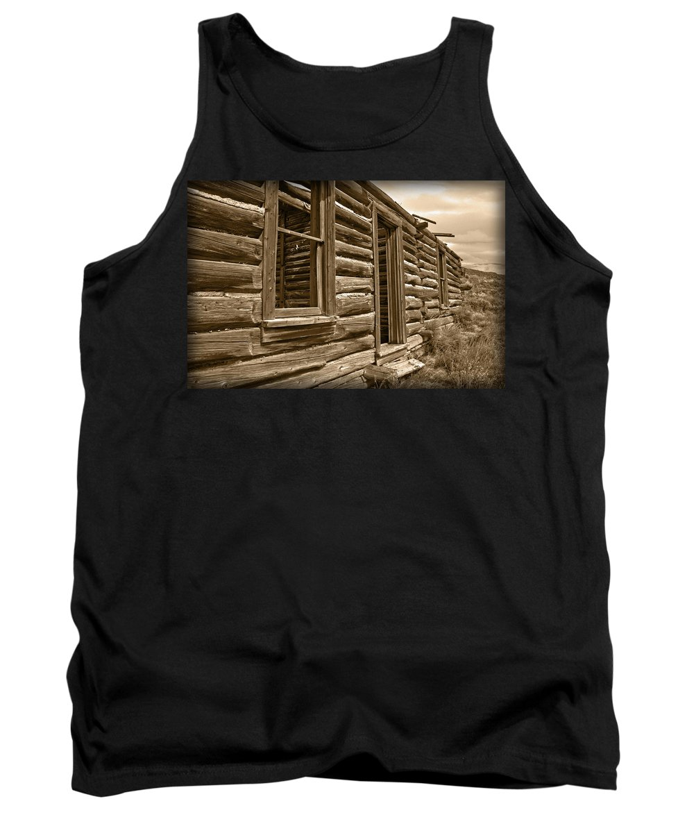 House Tank Top featuring the photograph Abandoned by Shane Bechler