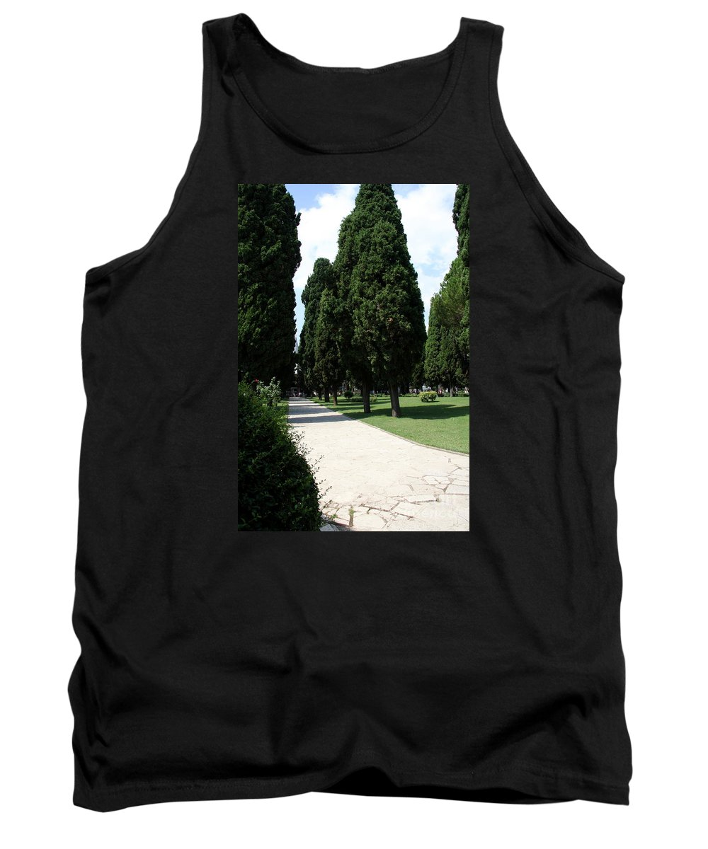 Courtyard Tank Top featuring the photograph Alley Topkapi Palace Courtyard - Istanbul by Christiane Schulze Art And Photography