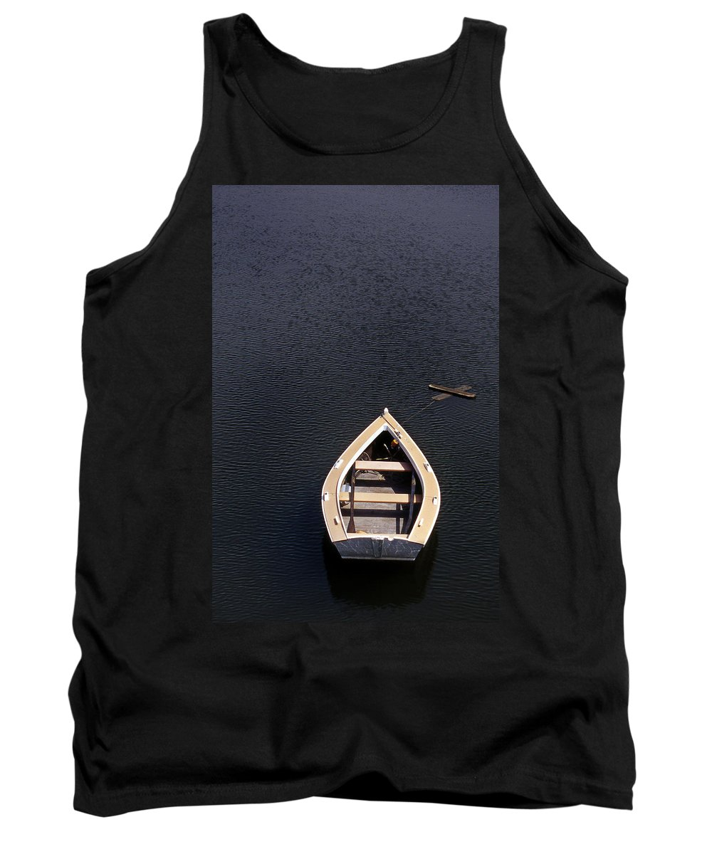 Maine Tank Top featuring the photograph Dory by Skip Willits