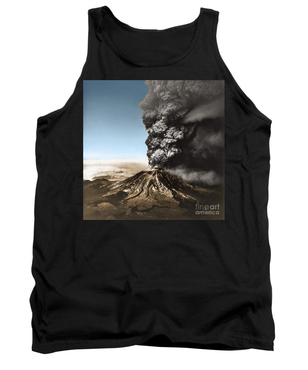 Science Tank Top featuring the photograph Eruption Of Mount St. Helens by Science Source