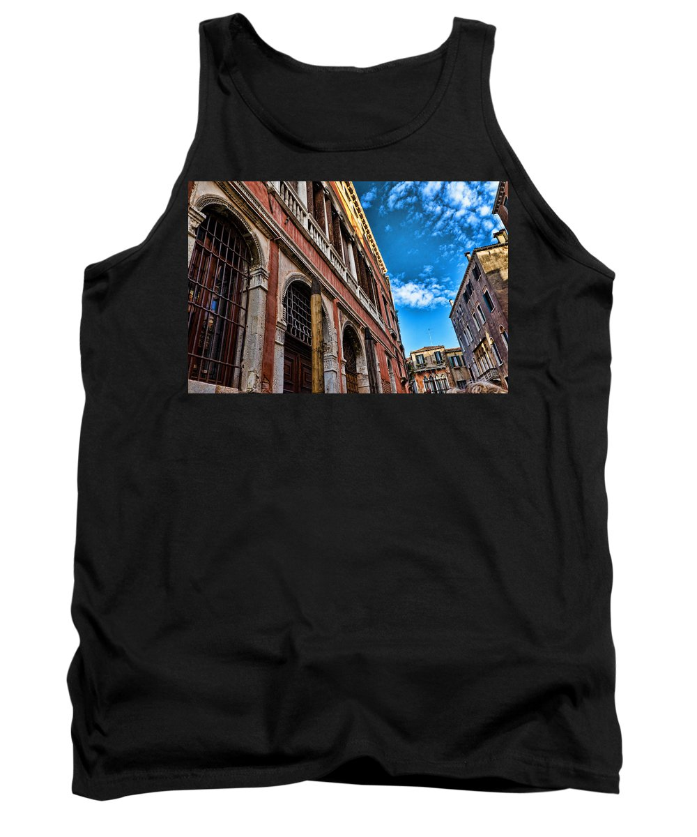Blue Sky Tank Top featuring the photograph Gondola View by Jon Berghoff