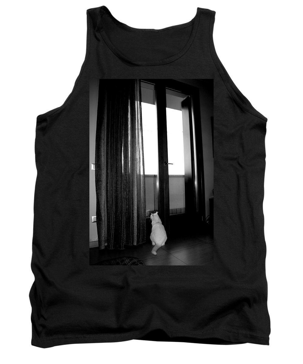 Gatto Tank Top featuring the photograph Let Me Go by Donato Iannuzzi