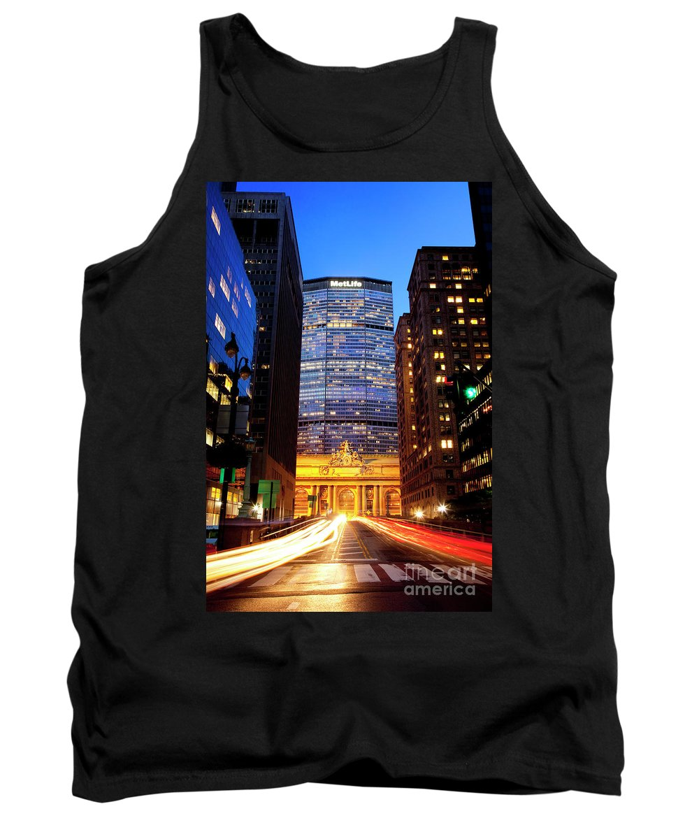 Metlife Tank Top featuring the photograph Metlife by Brian Jannsen