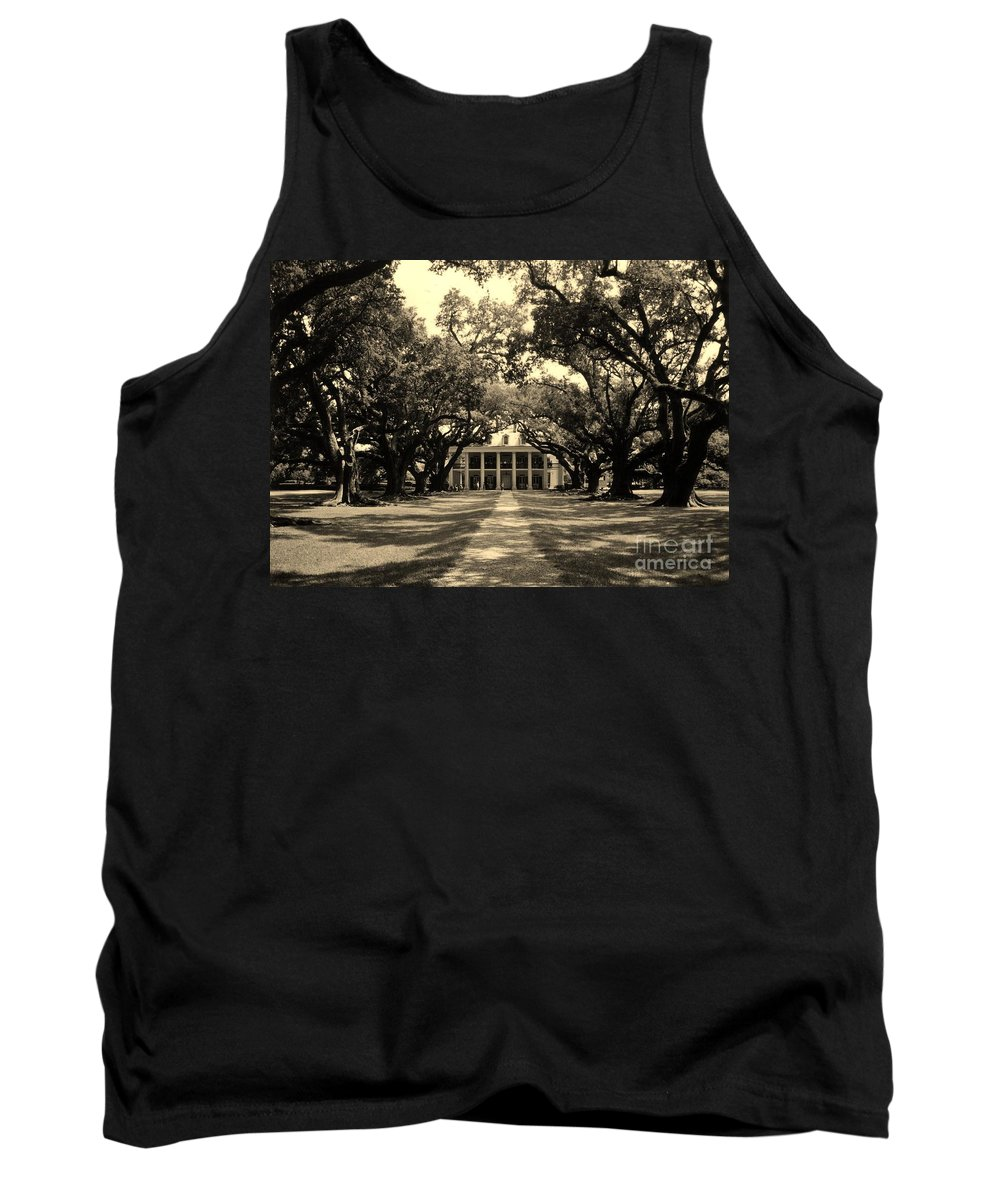 Oak Alley Plantation House Tank Top featuring the photograph Oak Alley In Black And White by John Malone