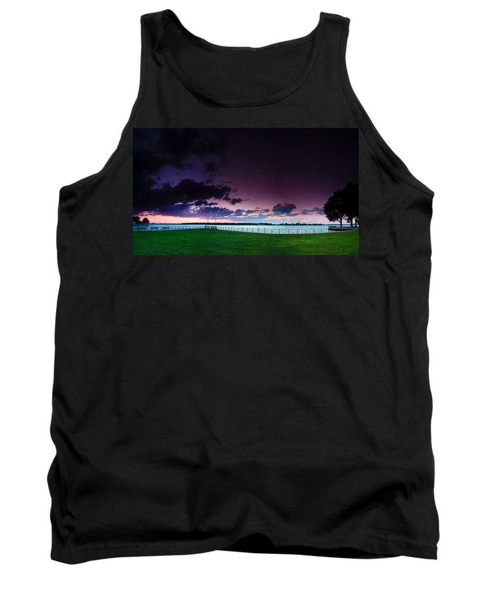 Windsor Tank Top featuring the photograph Park Pano by Cale Best