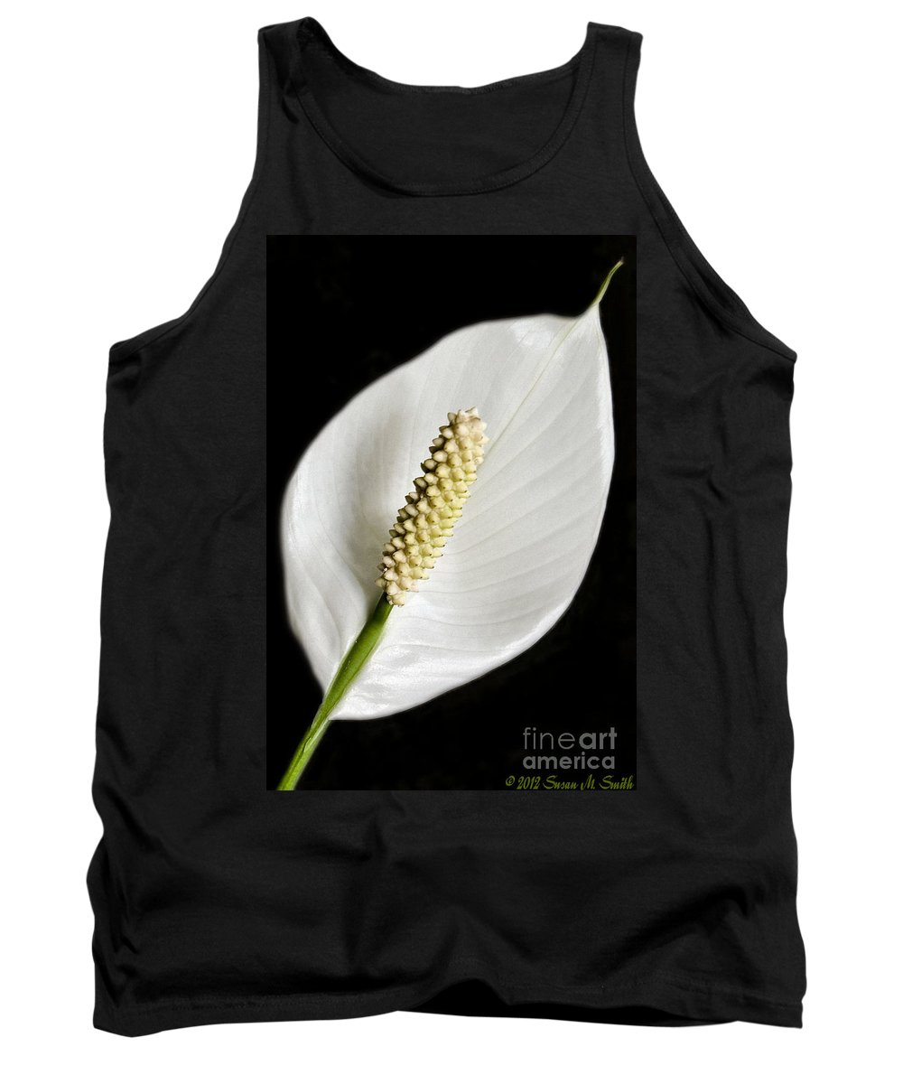 Flowers Tank Top featuring the photograph Peaceful by Susan Smith