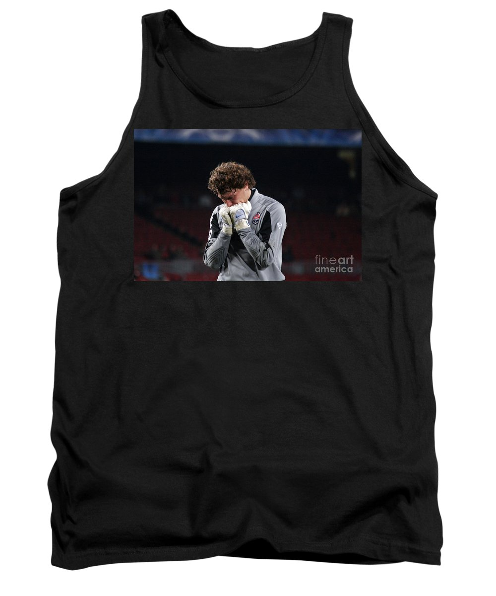 Player Tank Top featuring the photograph Shaktars Goalkeeper by Agusti Pardo Rossello