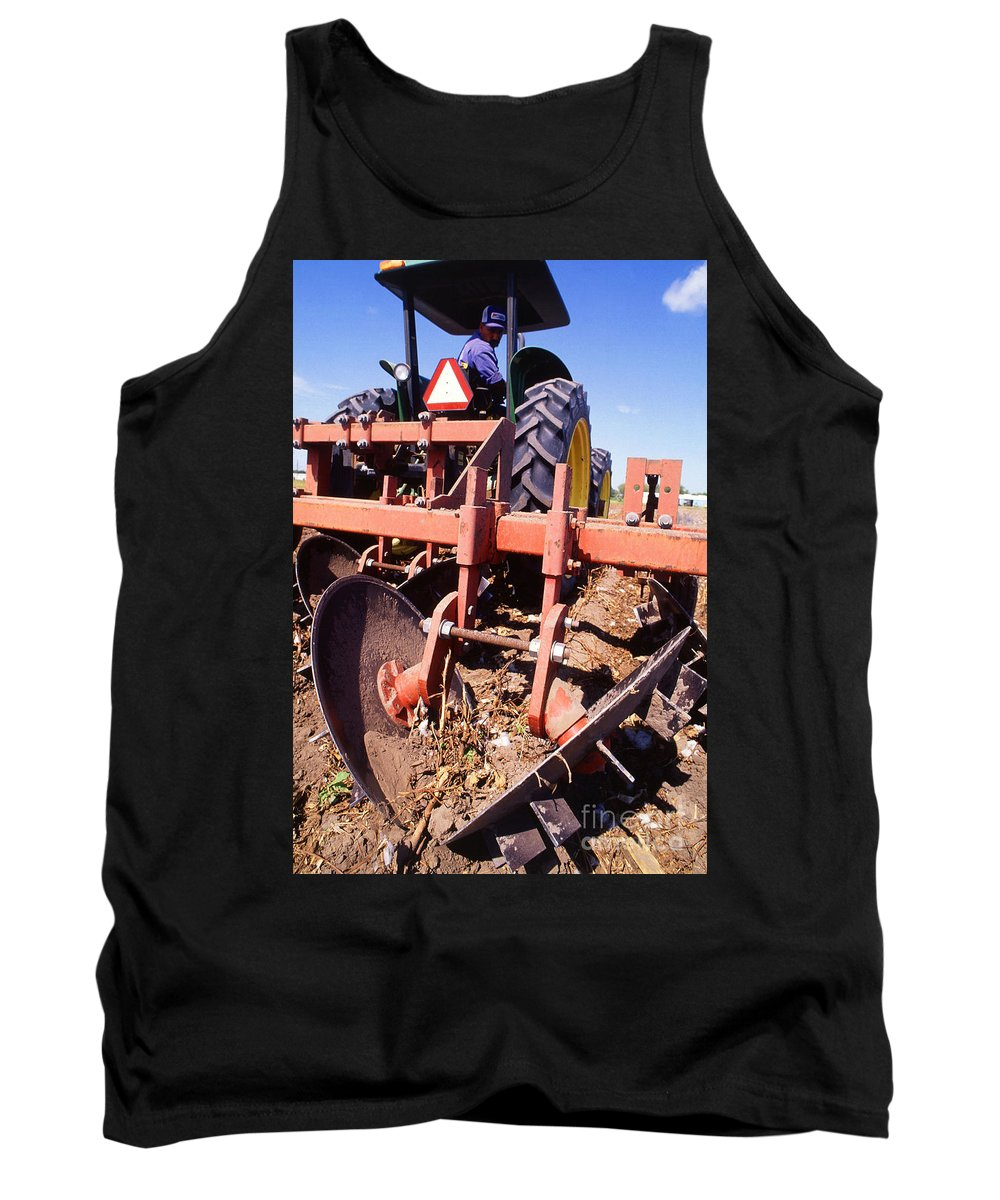 Farming Tank Top featuring the photograph Stalk-puller by Photo Researchers