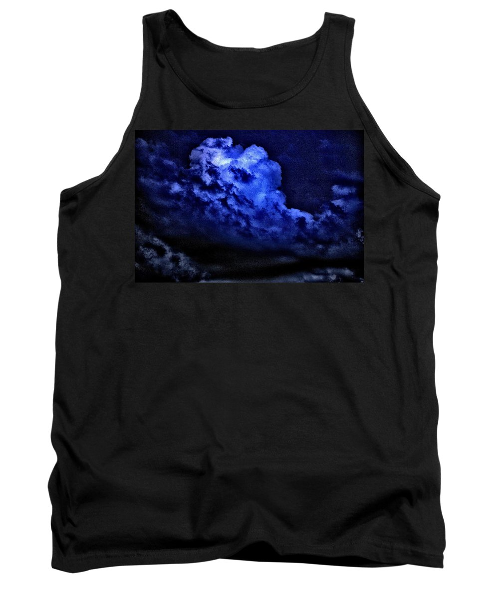 Cumulonimbus Tank Top featuring the photograph Storm's Coming by One Rude Dawg Orcutt