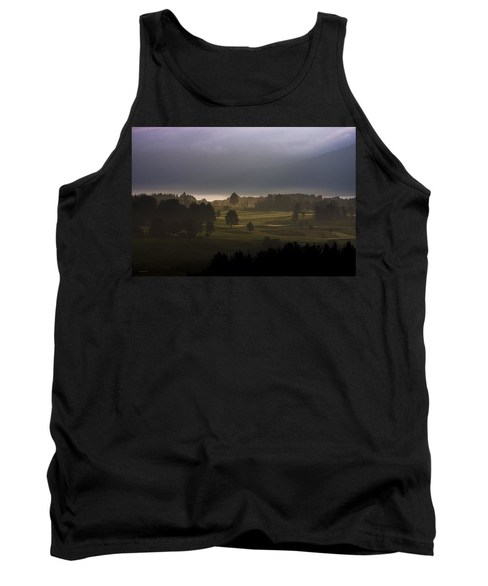 Landscape Tank Top featuring the photograph The Eighteenth Hole by Ron Jones